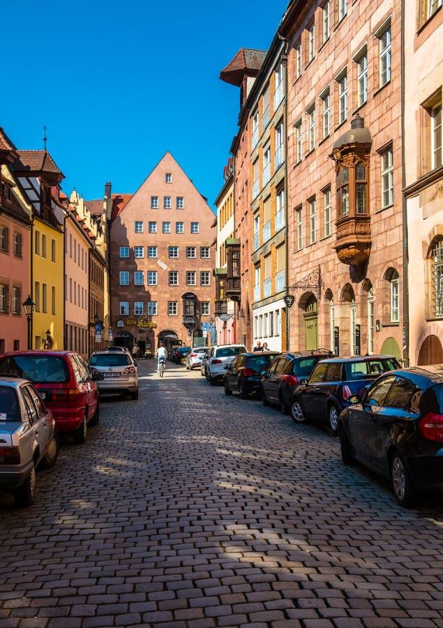 Ulica w dziejowym centrum miasta Nuremberg zdjęcie stock