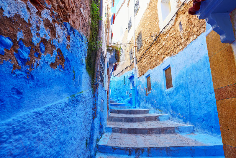 Ulica w Medina Chefchaouen, Maroko obrazy royalty free
