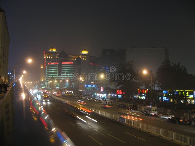 Ulicy Chiny, Pekin przy nocą alei Tian mężczyzna zdjęcia royalty free