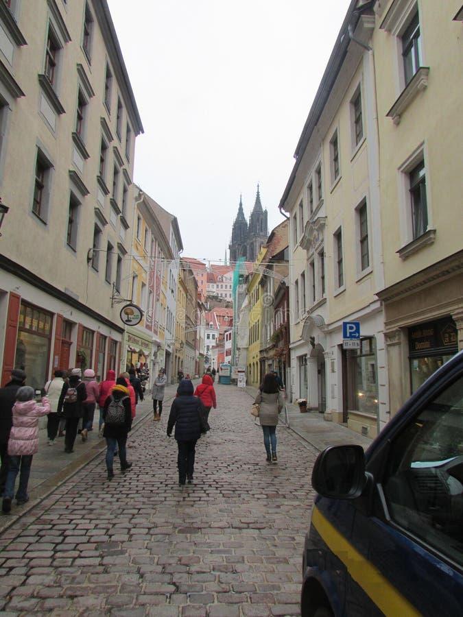 Ulicy i architektura Niemcy - miasto Mayson, brukować ulicy, antyczni kamieniarstwo domy Wielki miejsce dla turystyki fotografia stock