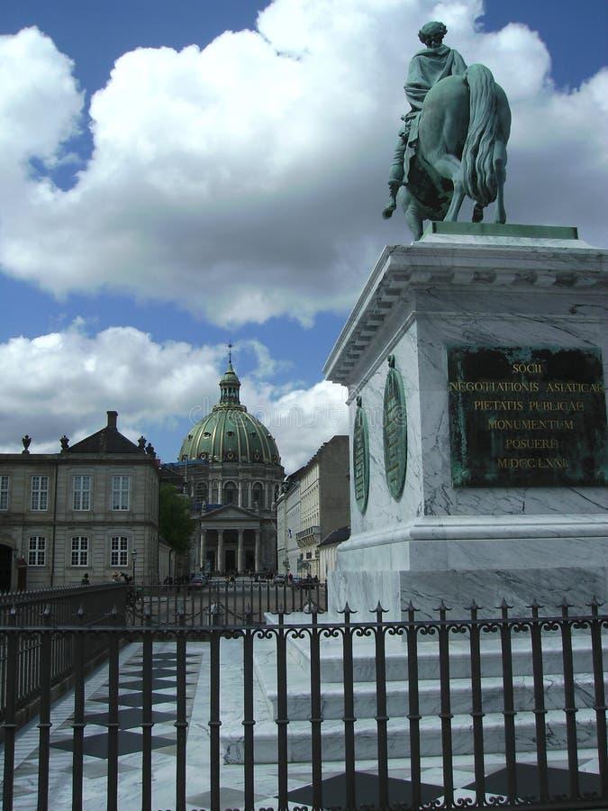 Ulicy i statuy widok, Royal Palace teren, Kopenhaga, Dani zdjęcie stock