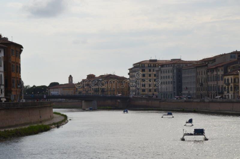 Ulicy iluminowa? dla San Ranieri Luminara w Pisa obrazy royalty free