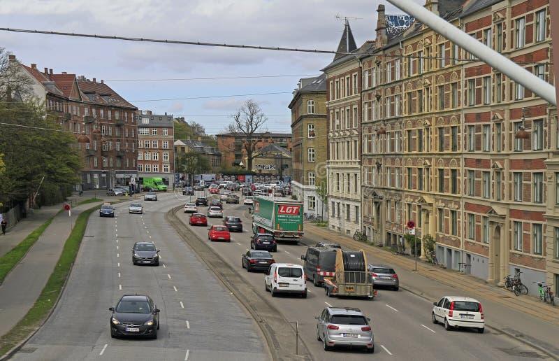 Ulicy Kopenhaga miasto, panoramiczny widok Norrebro okręg zdjęcie royalty free