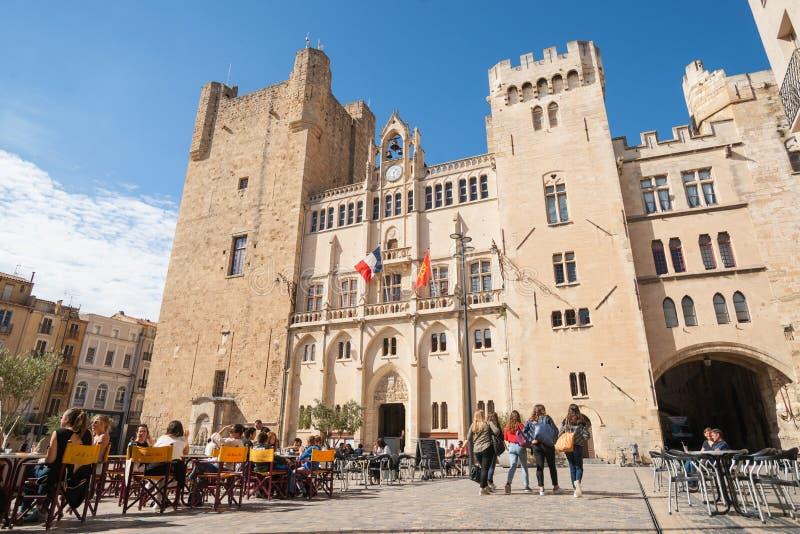Ulicy, sceny i architektura, Narbonne, Francja obrazy royalty free