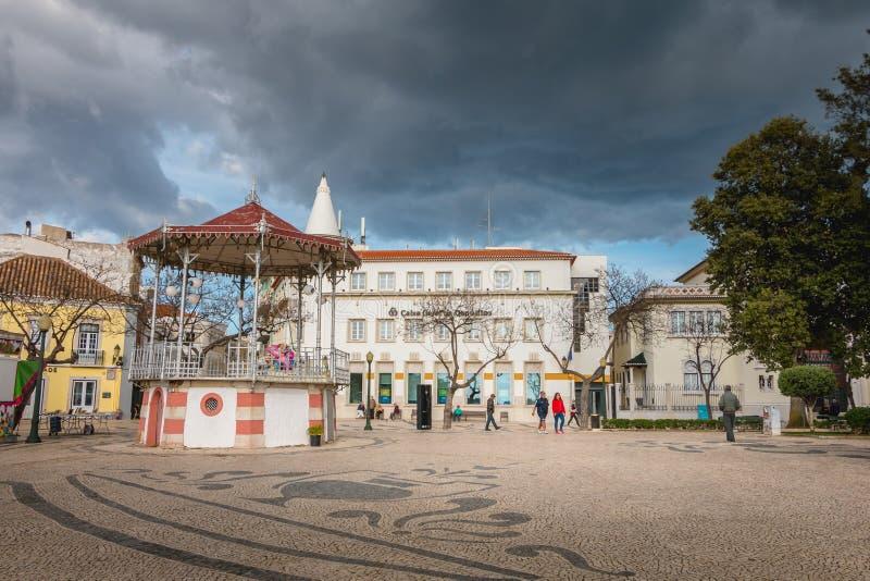 Uliczna atmosfera przed bandstand Faro zdjęcia stock
