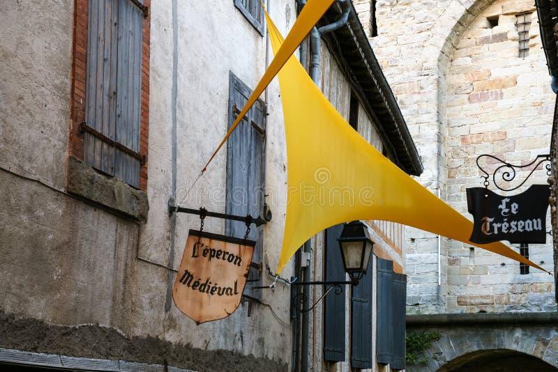 Uliczna dekoracja w średniowiecznym Cytuje de Carcassonne fotografia royalty free