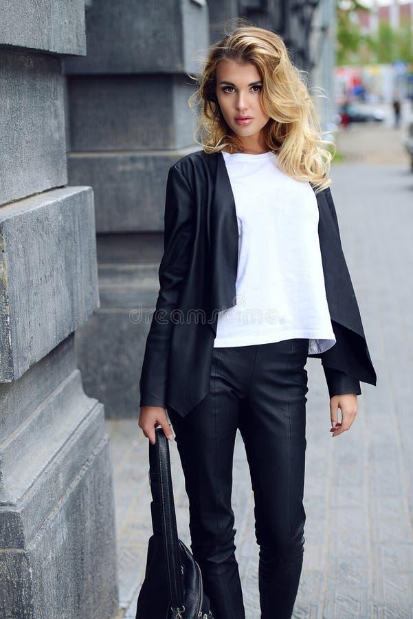 Uliczna deptak moda zdjęcie royalty free