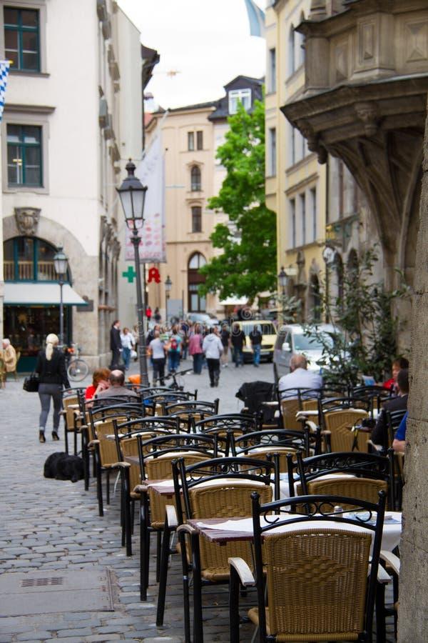 Uliczna kawiarnia - Niemcy obrazy royalty free