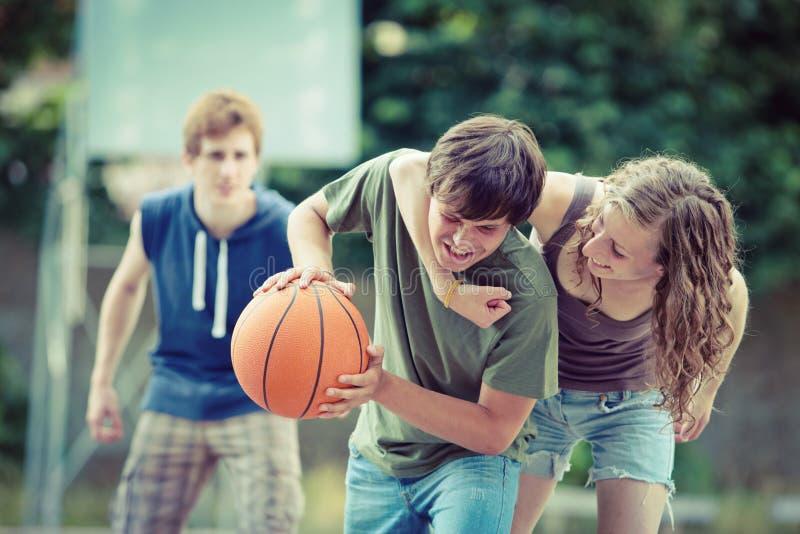 Uliczna koszykówka obrazy royalty free