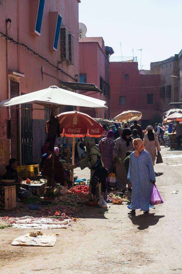 Uliczna scena w żydowskiej ćwiartce w Marrakesh fotografia royalty free