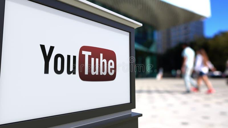 Uliczna signage deska z Youtube logem Zamazani biura odprowadzenia i centrum tła ludzie Redakcyjny 3D rendering ilustracji