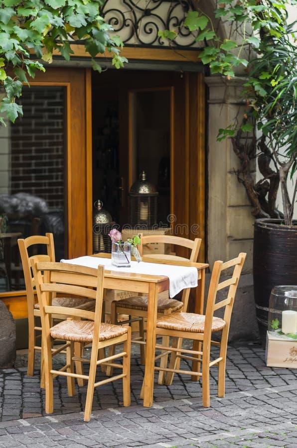 Uliczne kawiarnie w Bolzano, Południowy Tyrol fotografia royalty free