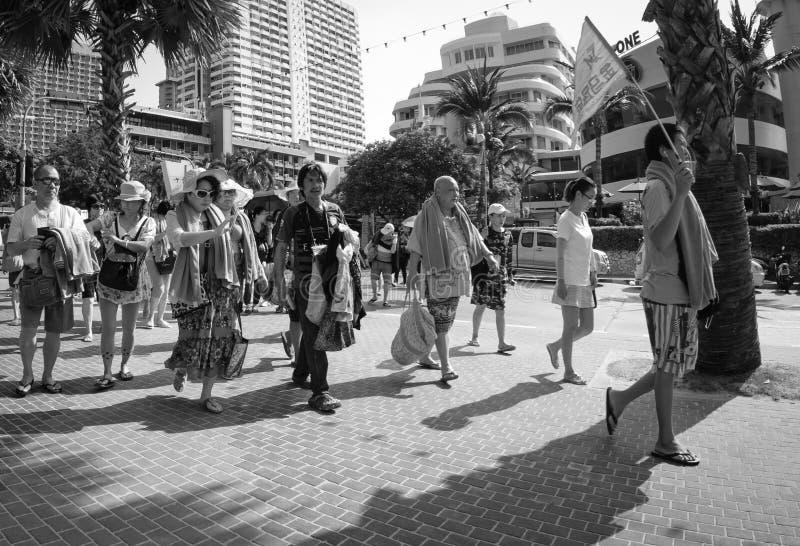 Uliczne sceny od Tajlandia - Chińska wycieczki turysycznej grupa zdjęcia stock