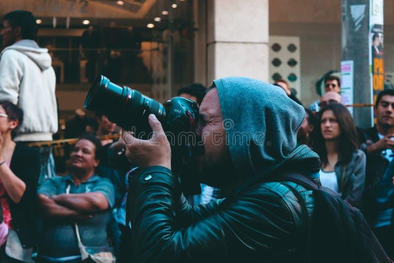 Ulicznego fotografa fotoreporter Bogota Colmbia obrazy stock