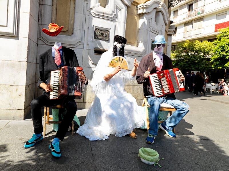 Uliczni muzycy w Sevilla, Hiszpania Kwiecień 2015 fotografia stock