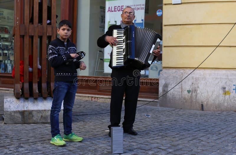 Uliczny akordeonista zdjęcie royalty free