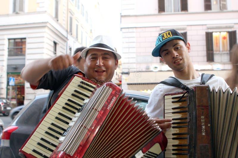 Uliczny akordeonista Rzym Włochy zdjęcie royalty free