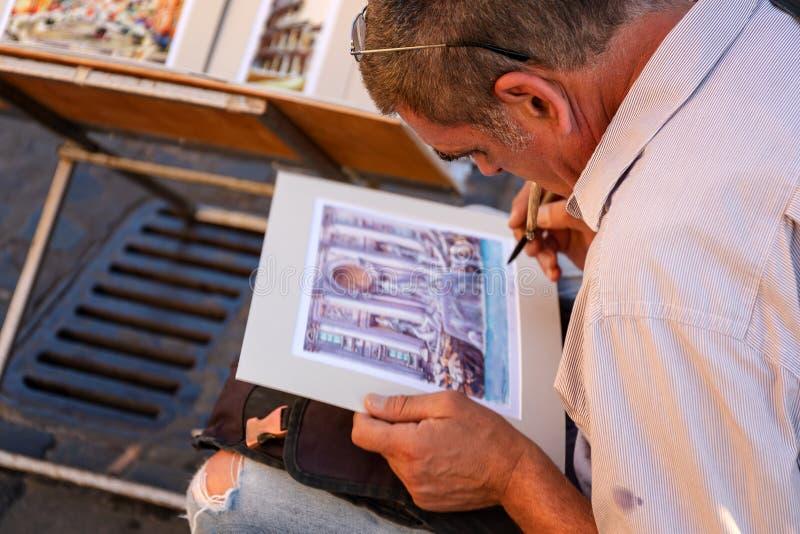 Uliczny artysta maluje akwarela obrazek zdjęcia stock