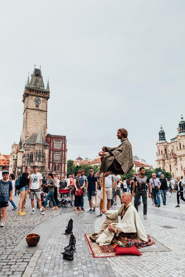 Uliczny artysta w Praga zdjęcia royalty free