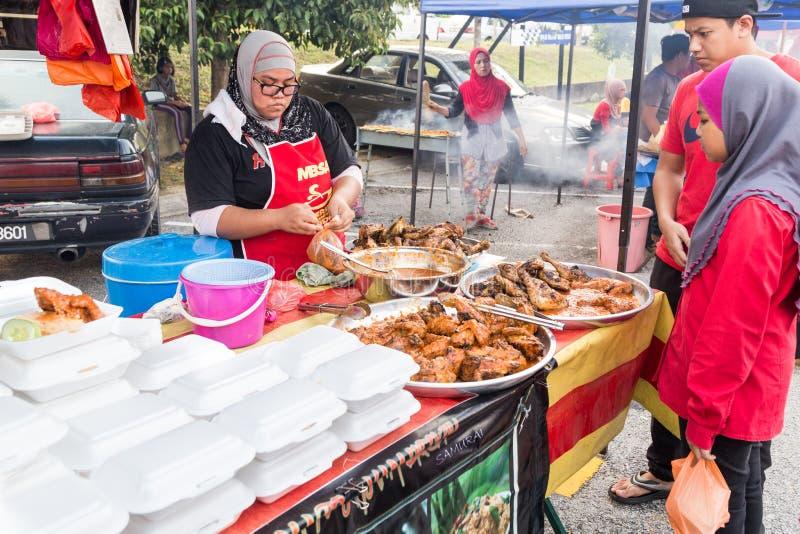 Uliczny karmowy bazar w Malezja catered dla iftar podczas Ramadan obrazy stock