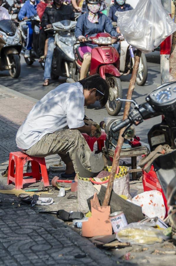 Uliczny obuwiany producent Wietnam zdjęcia stock