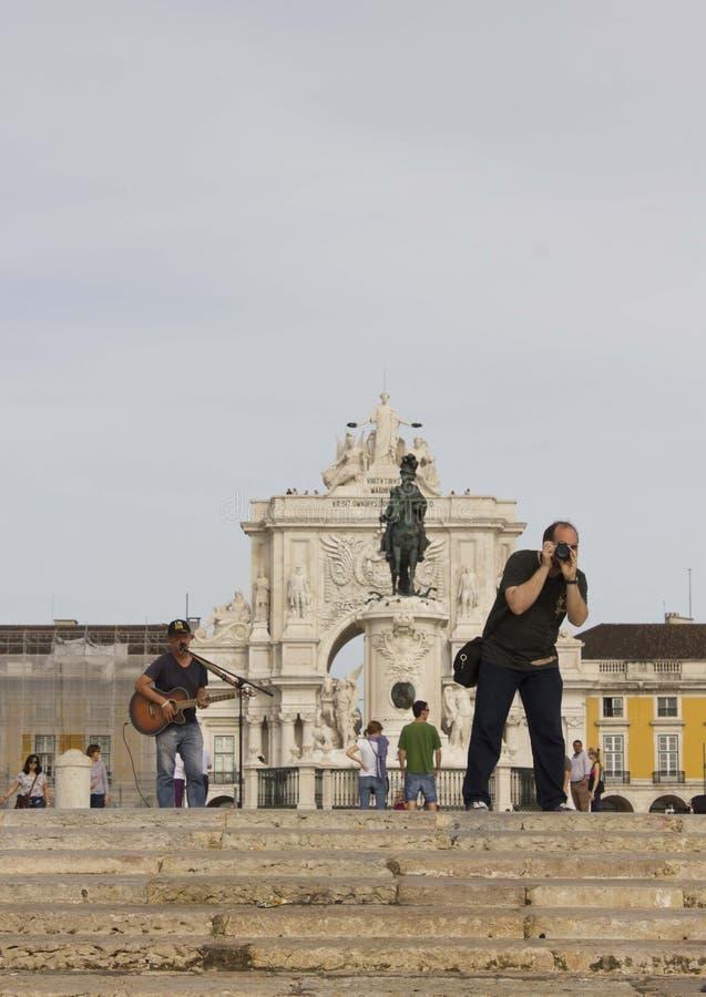 Uliczny piosenkarz w handlu kwadracie w Lisbon fotografia royalty free