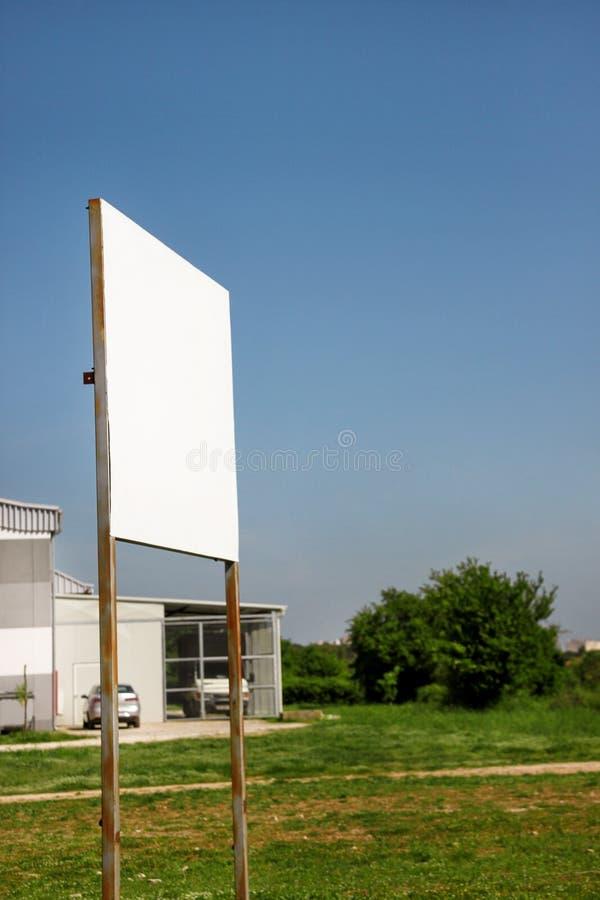 Uliczny pusty reklamowego billboarda pokaz, zawiadomienie stół Reklamowe agencje zdjęcie stock
