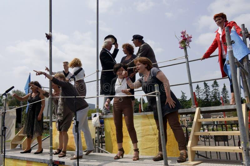 Uliczny teatru festiwal w Doetinchem holandie na Lipu 1 zdjęcia stock