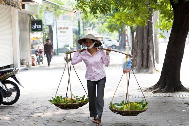 Uliczny vender w Hanoi fotografia royalty free