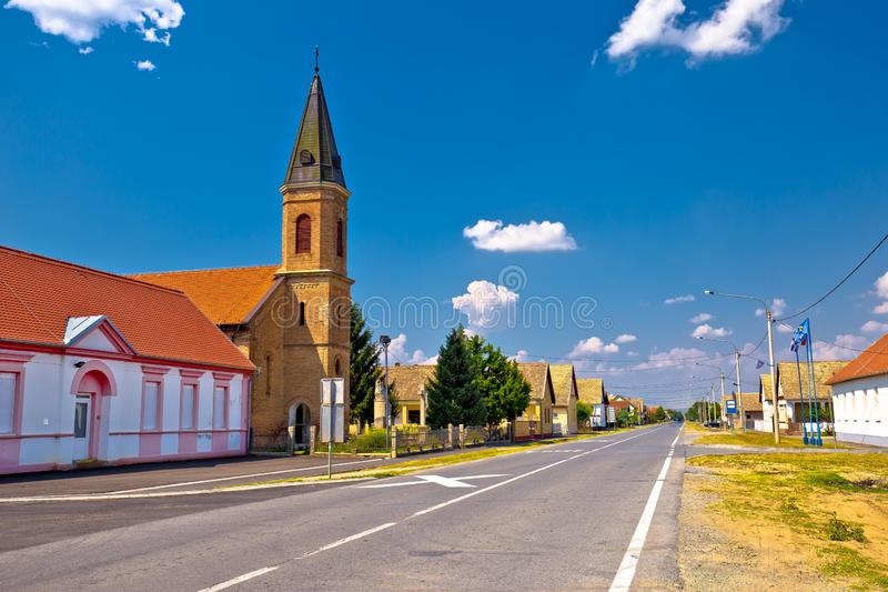 Uliczny widok Karanac kościół i historyczna architektura obrazy royalty free