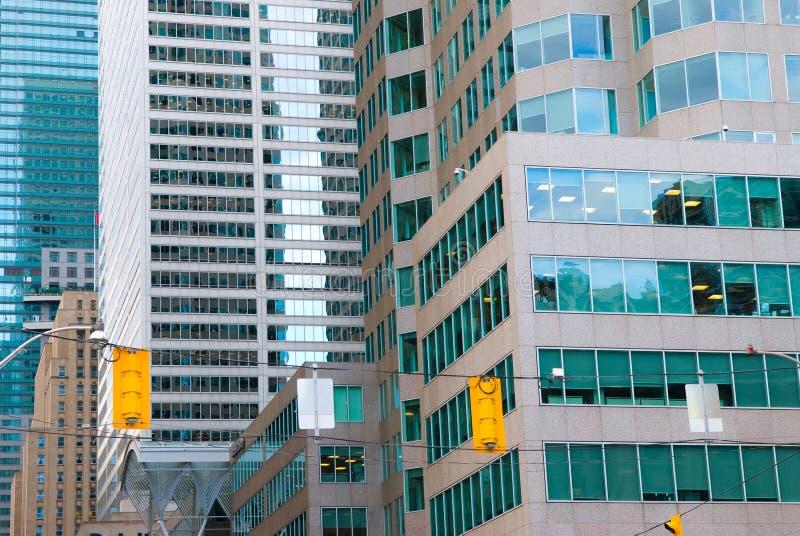 Download Uliczny Widok, Puszka Miasteczko, Toronto, Ontario, Kanada Zdjęcie Stock Editorial - Obraz złożonej z zmrok, kanada: 53788358