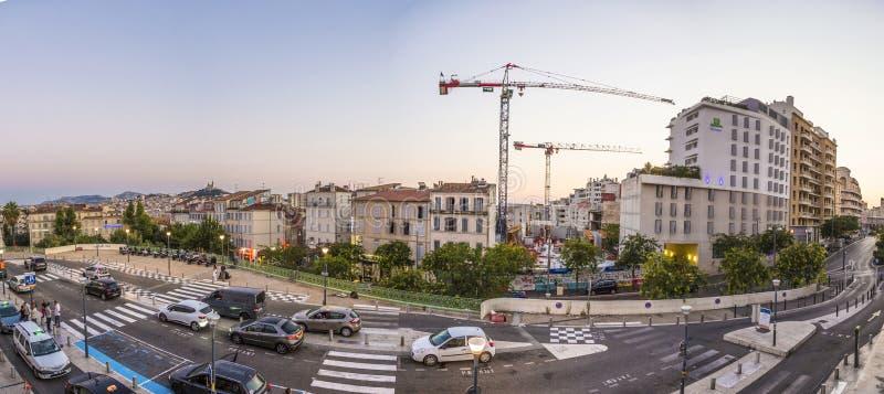 Uliczny widok quartier święty Charles w Marseille zdjęcia stock