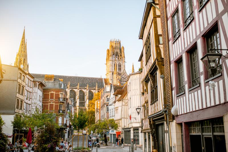 Uliczny widok w Rouen mieście, Francja zdjęcia stock
