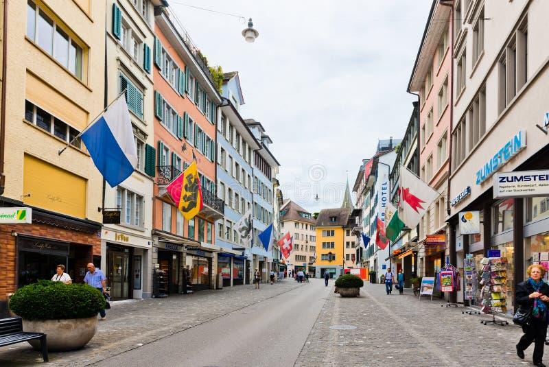 Uliczny widok w Zurich, Szwajcaria Zurich jest wielkim miastem obrazy royalty free