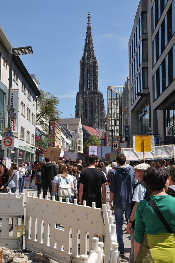 Ulm, BW, Duitsland-mag 24, 2019: schoolstaking voor klimaat, demonstratie in voetstreek royalty-vrije stock afbeelding
