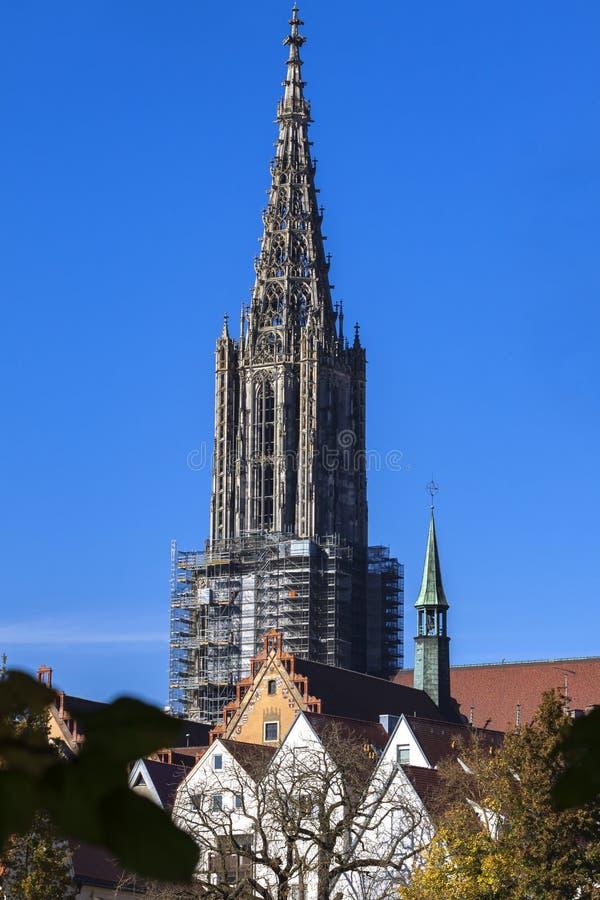 Ulm, Duitsland - 17 10 2017 Ulm-Munster, de langste kerk in de wereld, Duitsland stock foto's