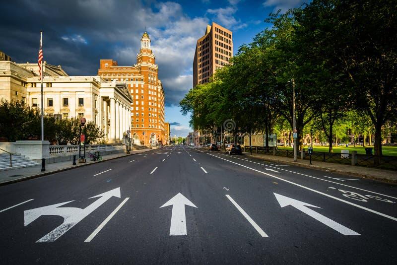 Ulmen-Straße, in im Stadtzentrum gelegenem New-Haven, Connecticut lizenzfreie stockbilder