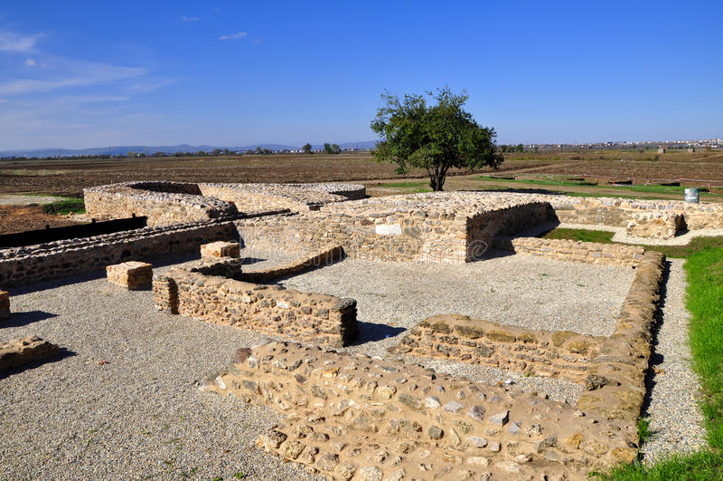 Ulpiana forntida romersk stad fotografering för bildbyråer