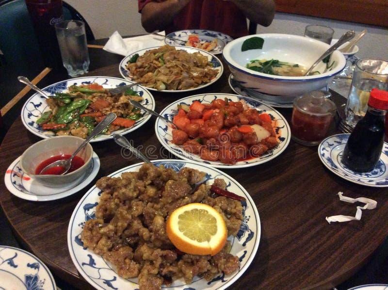 Ultimat kinesisk mat som frestar dina Tastebuds royaltyfri fotografi