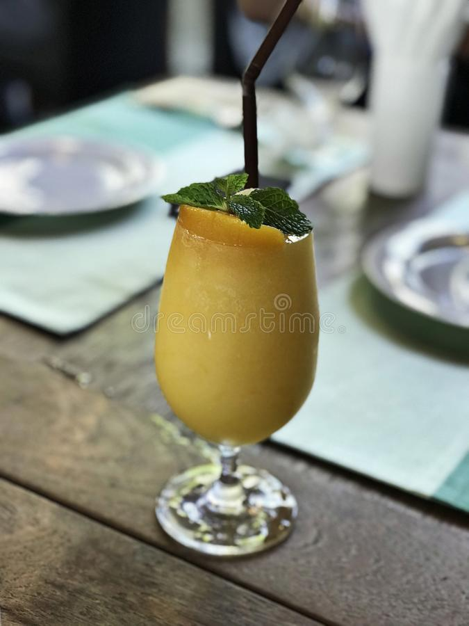 Ultimat smoothie för persika royaltyfri bild