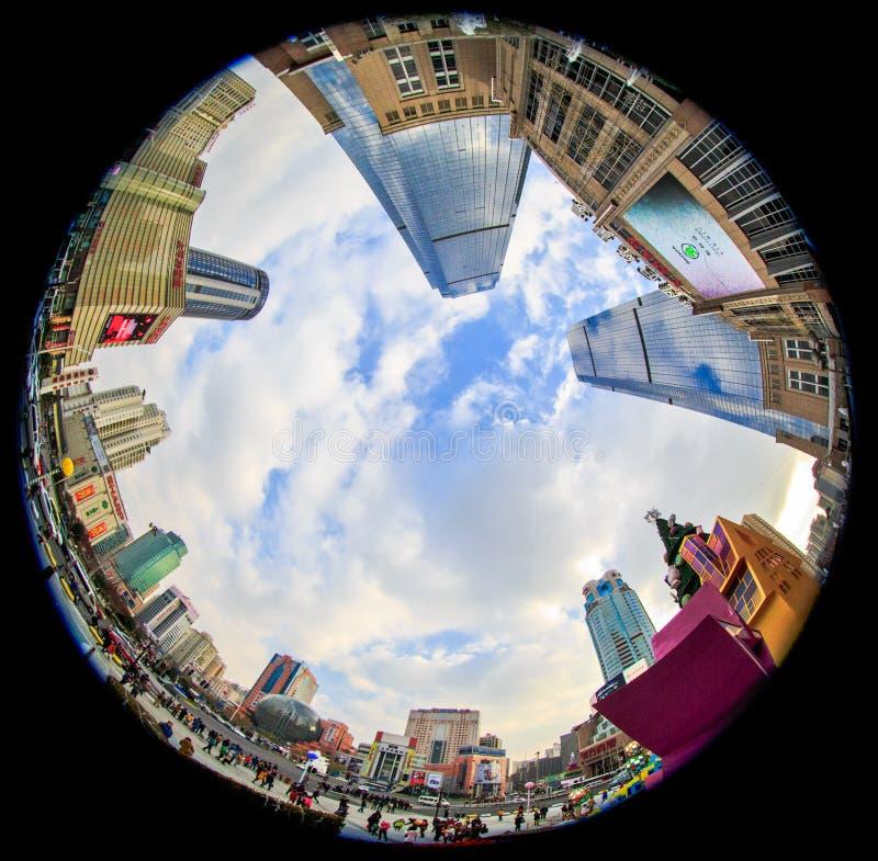 Ultra brede hoekfotografie, stedelijke architectuur royalty-vrije stock afbeeldingen