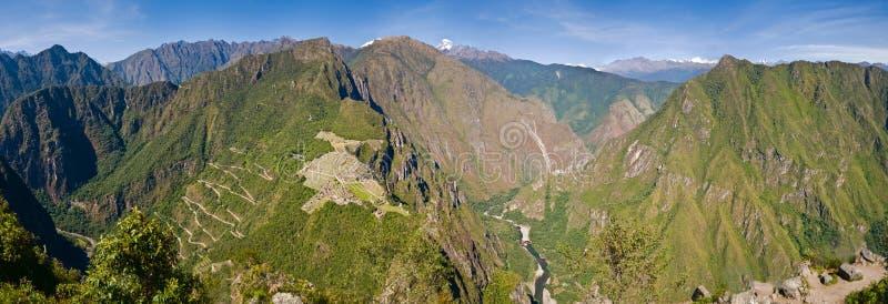 Ultra breed Panorama van Machu Picchu royalty-vrije stock afbeelding