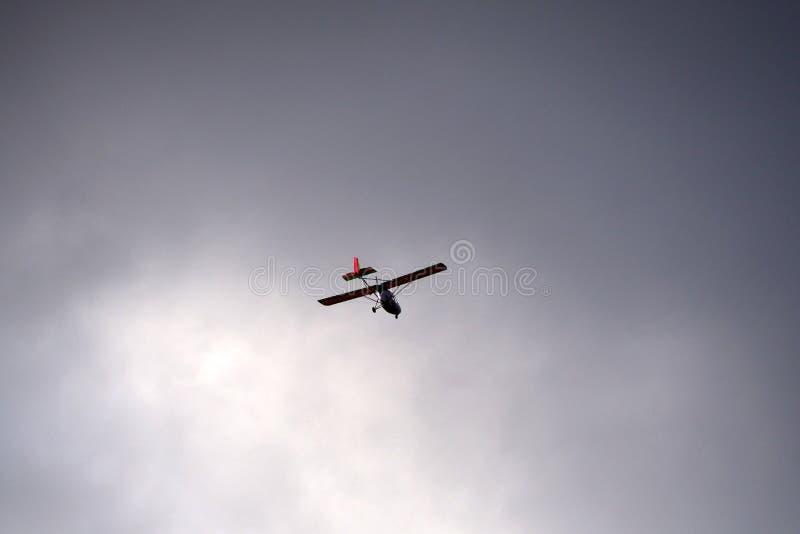 Ultralight воздушные судн в небе стоковое фото rf
