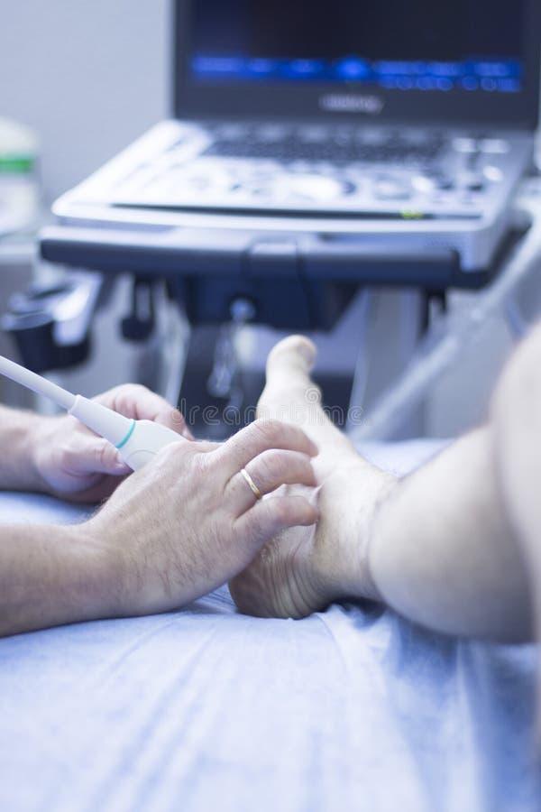 Ultraschall ecography EPI Physiotherapeut stockbild