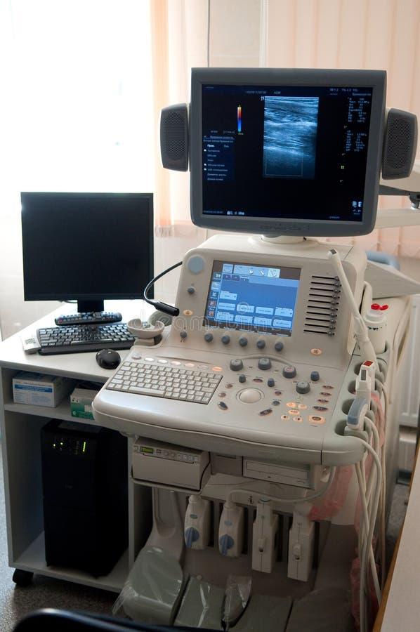 Ultraschalldiagnosenausrüstung stockbild