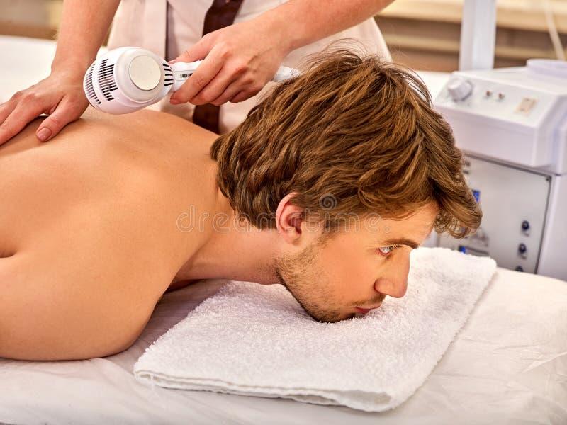 Ultraschallgesichtsbehandlung auf Ultraschallgesichtsmaschine stockfoto