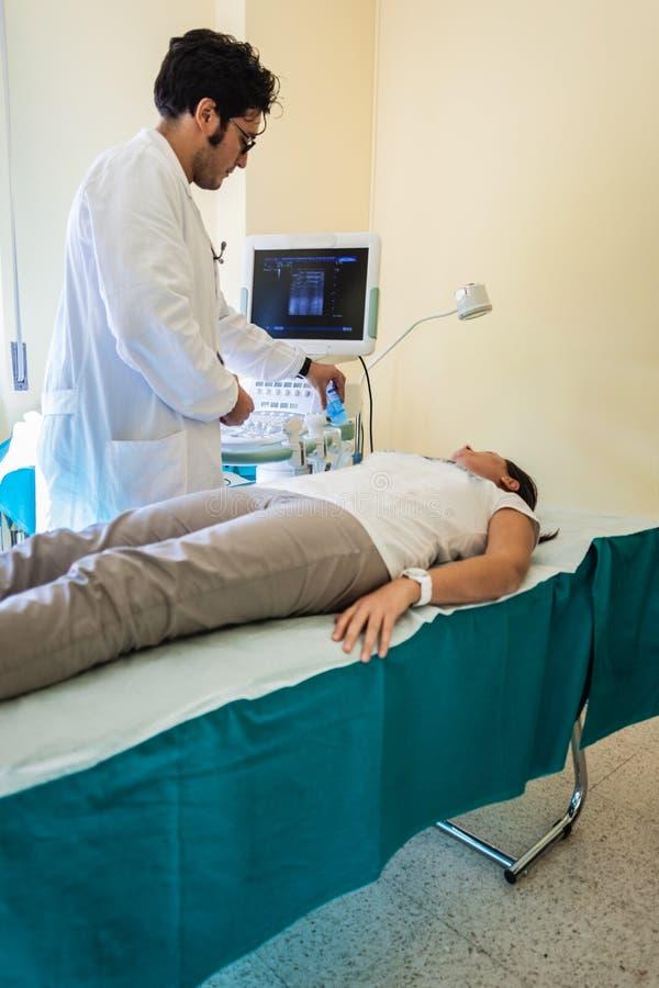 Ultraschallprüfung stockbilder