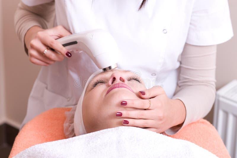Download Ultrasonic Skin Scrubber Peeling 4 Stock Photo - Image: 13838086