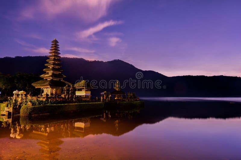 Ulundanu tempel, Bali Indonesien royaltyfri bild