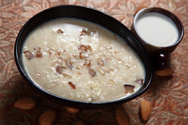 Ulundu payasam, Cały biały gramowy pudding, Ulund kheer zdjęcia stock